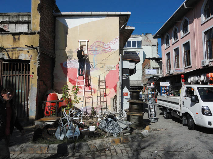 Wall painting in progress - Istanbul streetart